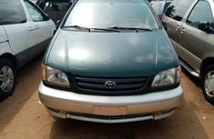 Foreign Used Toyota Sienna 2003 Model Green for Sale