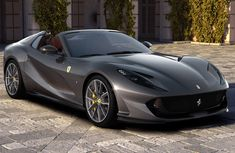 Detailed specs of Ferrari 812 GTS - the exclusive speed machine