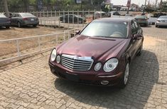 Foreign Used Mercedes-Benz E350 Model Red