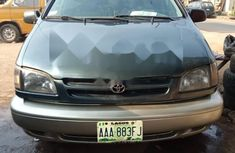 Nigeria Used Toyota Sienna 1999 Model Green