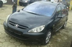 Tokunbo Peugeot 307 SW 2004 Model Black for Sale