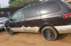 Nigeria Used Toyota Sienna 2001 Model Purple