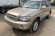 Foreign Used Toyota Highlander 2006 Model Gold