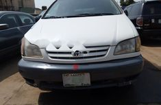 Nigeria Used Toyota Sienna 2002 Model White