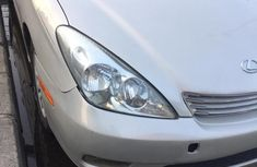 Foreign Used 2002 Silver Lexus ES for sale in Lagos