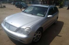 Tokunbo Mercedes-Benz C230 2001 Model Automatic