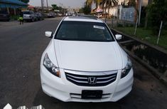 Super clean Honda Accord EX 2011 model