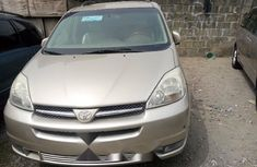 Foreign Used Toyota Sienna 2006 Model Gold