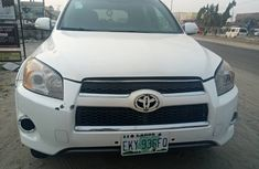 White Cruise 2012 Model Nigerian Used Toyota RAV4  for sale in Ajah