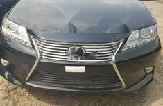 Clean and neat used 2014 Lexus ES sedan in Lagos at cheap price