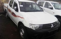 2010 Model Mitsubishi L200 Petrol Engine and Manual Transmission