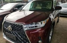 Accident Free Red Toyota Highlander 2016 Model Upgraded to 2019