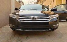 Used black 2012 Toyota Highlander suv / crossover for sale