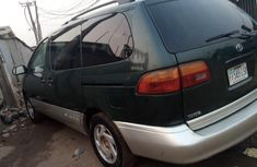 Locally Used 2000 Toyota Sienna for sale in Lagos.