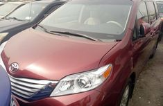 Foreign Used Toyota Sienna 2013 Model Red