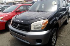 Foreign Used 2005 Black Toyota RAV4 for sale in Lagos