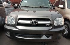Foreign Used Toyota Sequoia 2006 Model Gray