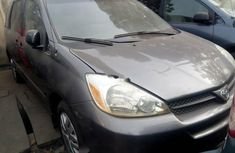 Foreign Used Toyota Sienna 2004 Model Gray
