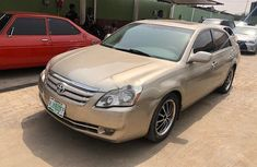 Nigeria Used Toyota Avalon 2006 Model Gold