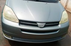 Foreign Used Toyota Sienna XLE 2005 Model Silver for Sale