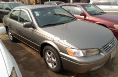 Locally Used 1998 Gold Toyota Camry for sale in Lagos