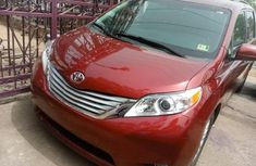 Foreign Used Toyota Sienna 2016 Model Red