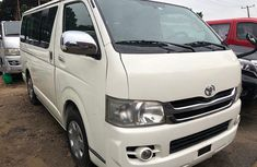 Foreign Used Toyota Hiace Bus 2009 Model White for Sale