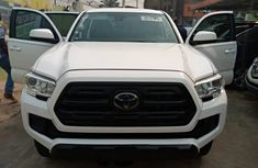 Foreign Used Toyota Tacoma 2018 Model White for Sale