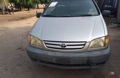 Foreign Used Toyota Sienna 2002 Model Silver for Sale