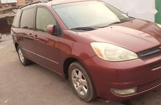 Foreign Used Toyota Sienna 2004 Model Red