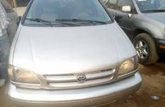 Foreign Used Toyota Sienna 2000 Model Gold