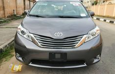 Foreign Used Toyota Sienna 2012 Model Gray for Sale