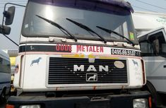 Foreign Used Man 19.372 2000 Model White