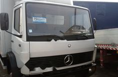 Foreign Used Mercedes-Benz 814 2005 Model White