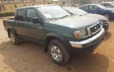 Foreign Used Nissan Frontier 2000 Model Green