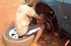 5 bad habits of Nigerian roadside mechanics that piss people off