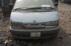 Nigeria Used Toyota Previa  2000 Model Blue for Sale