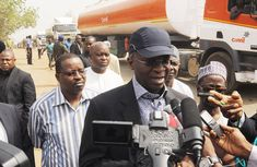 Fashola urges contractors to make Benin-Abuja highway motor-able all year round