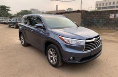 Neat Foreign Used Toyota Highlander XLE 2015 Model