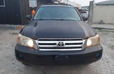 Well Maintained 2005 Model Toyota Highlander Black