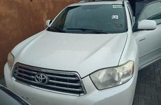 Foreign Used 2008 White Toyota Highlander for sale in Lagos