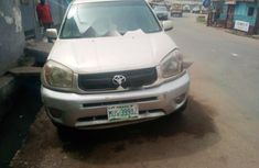 Nigerian Used Toyota RAV4 2003 Model Automatic Petrol ₦900,000