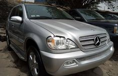 Foreign Used 2005 Silver Mercedes-Benz ML350 for sale in Lagos