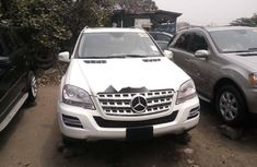 Tokunbo Mercedes-Benz ML350 2010 Model White