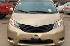 Foreign Used Toyota Sienna 2012 Model Gold
