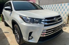 Tokunbo Toyota Highlander 2019 Model White