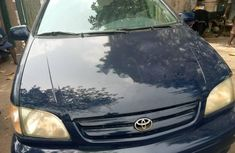 Nigeria Used Toyota Sienna 2002 Model Blue
