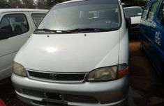 Well Maintained Foreign used 2003 Toyota HiAce Bus