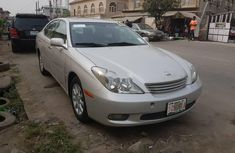 Foreign Used 2002 Silver Lexus ES for sale in Lagos.