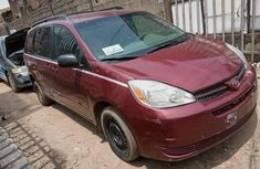 Nigeria Used Toyota Sienna 2005 Model Red